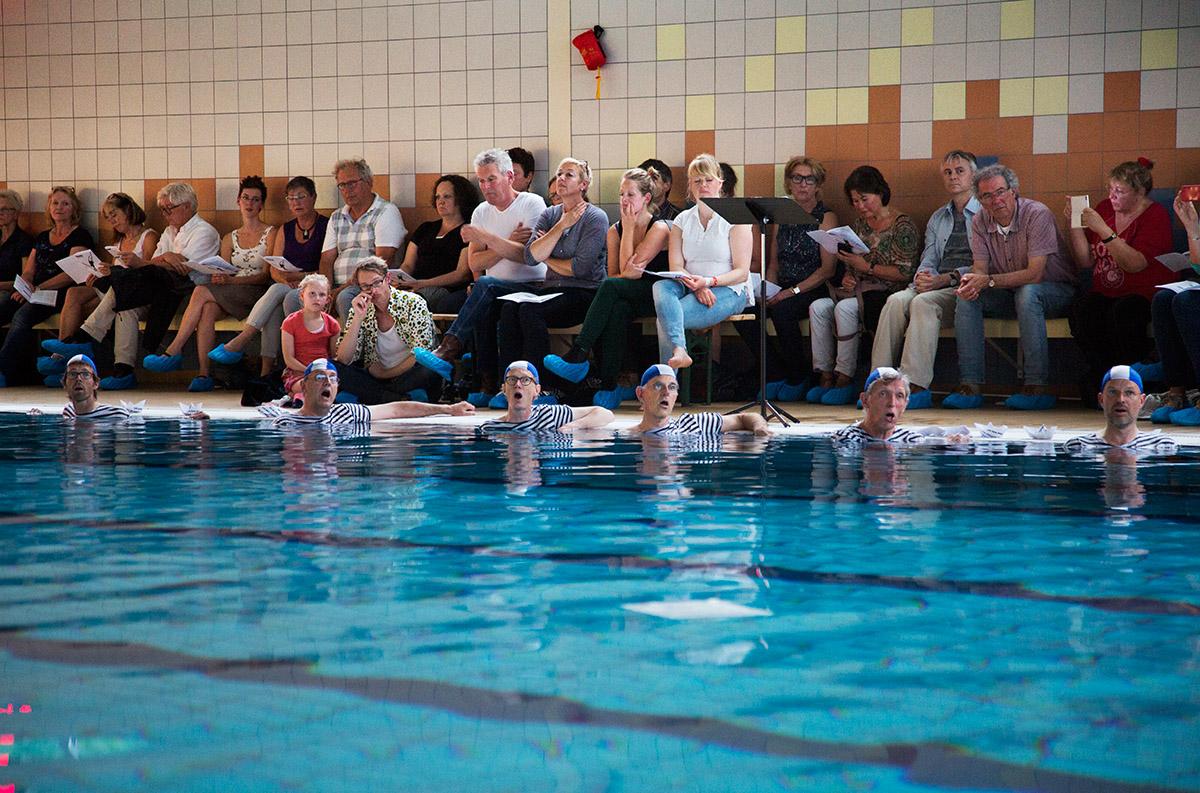 Marieke wil de duikplank terug in het zwembad voor de utrechtse